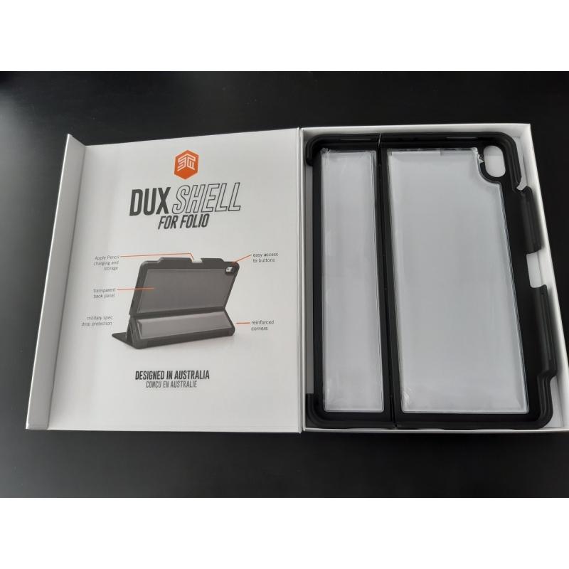 Etui STM Dux Shell do iPada Pro 11 cali (1. generacji) z założonym Smart Keyboard Folio